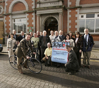 Newry & Mourne Mayor, Pat McGinn in 'Cycle for Life' for Action Cancer Big Bus.06W8N9      *****PRESS RELEASE********