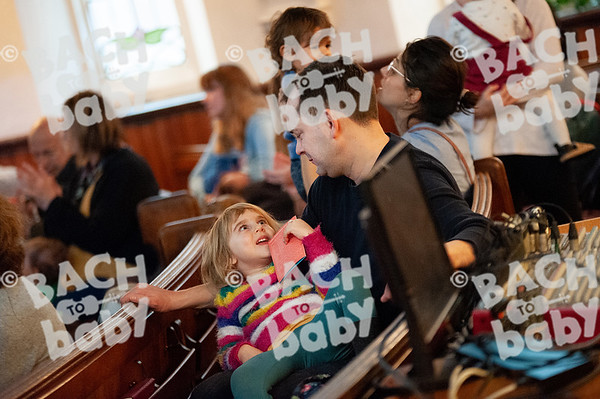 ©Bach to Baby 2019_Laura Woodrow_MuswellHill_2019-19-12_ 12.jpg