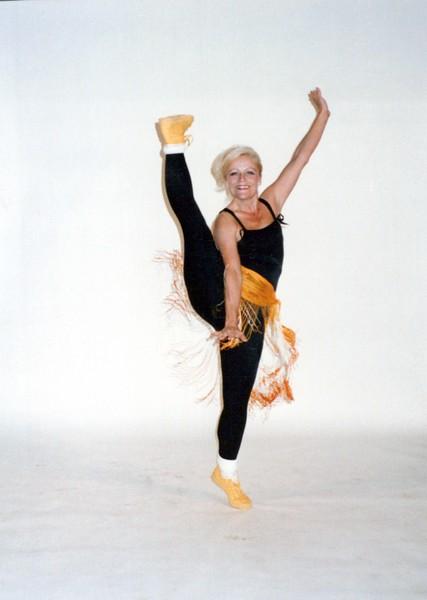 Dance_2402_a.jpg