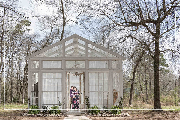 Gorgeous Maternity Session in Glass Conservatory in Conroe Texas