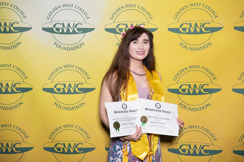Scholarships-Awards-2019-0728.jpg