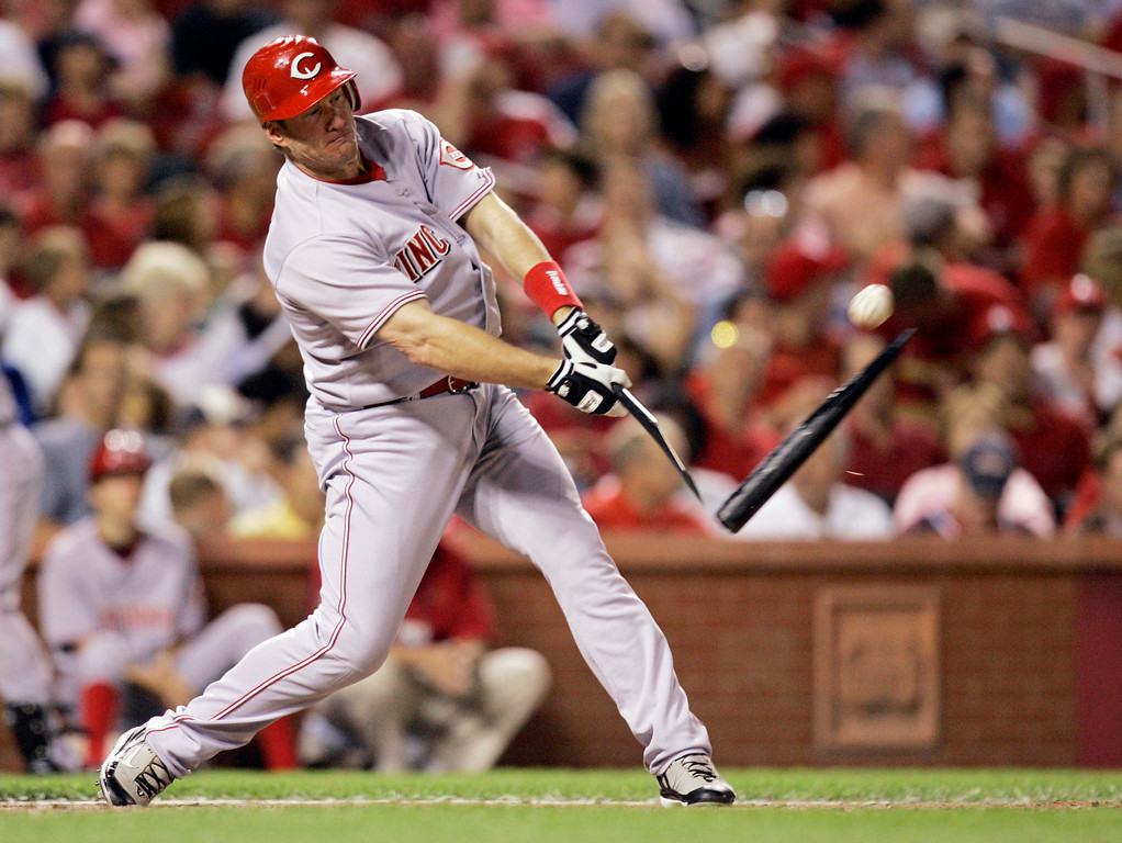 . JEFF CONINE -- Cincinnati Reds\' Jeff Conine breaks his bat on a single during the seventh inning of a baseball game against the St. Louis Cardinals on June 5, 2007 in St. Louis. (AP Photo/Jeff Roberson)
