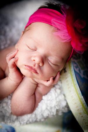 2011_05_29 Arianna's Newborn Shoot