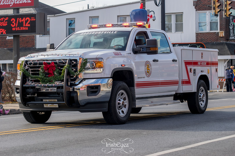 2017-coatesville-christmas-parade_38080450464_o.jpg