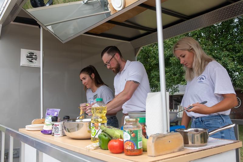 Mobile food kitchen