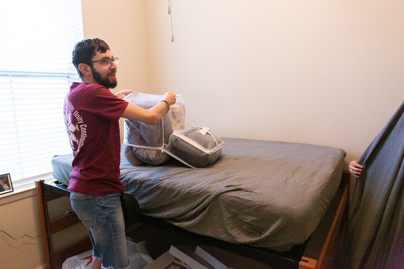 Aggie ACHIEVE Dorm Move In_0016.jpg