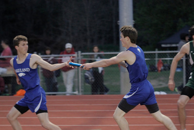 Boys' 4x400 Relay - 2014 MHSAA Region 7-1 (Milford)