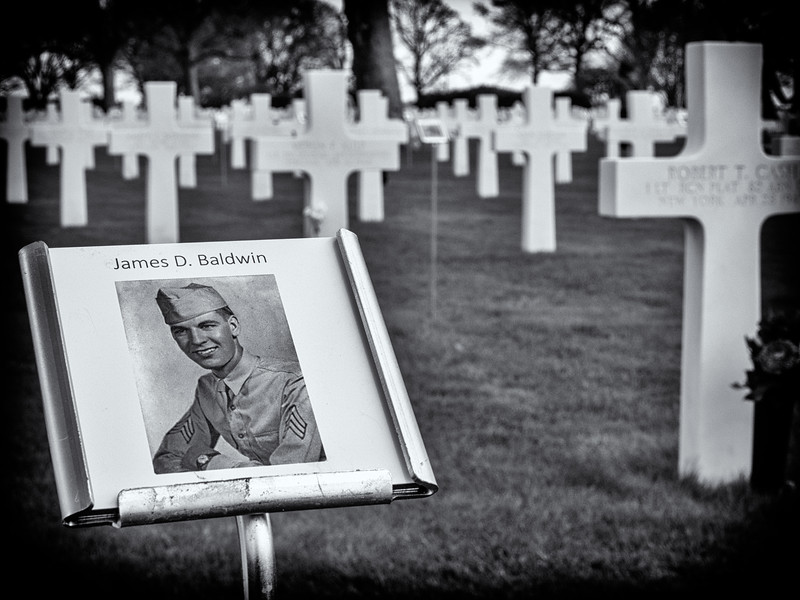 bw cementary.jpg