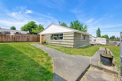 829 E 59th St, Tacoma, WA
