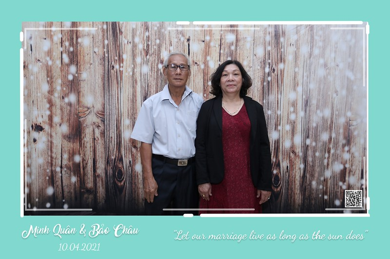 QC-wedding-instant-print-photobooth-Chup-hinh-lay-lien-in-anh-lay-ngay-Tiec-cuoi-WefieBox-Photobooth-Vietnam-cho-thue-photo-booth-016.jpg