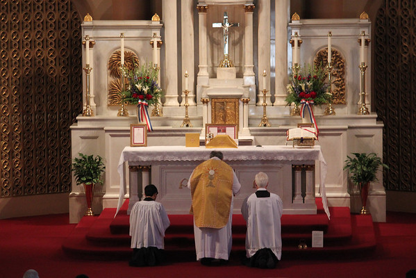 Traditional Latin (Low) Mass at Star of the Sea Church in San Francisco, CA