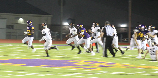 Center Roughriders down Gladewater, 41-40