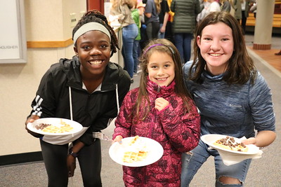 LS-MS 1st & 8th Waffles for Food Drive 11-26-18