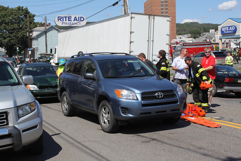 Two Vehicle Accident, Center St, Tamaqua, 8-30-2011 (1).JPG