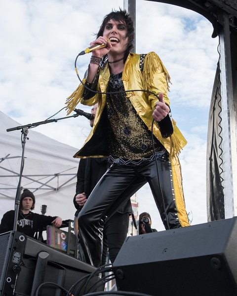 THE STRUTS AT THE 104.5 WINTER JAM