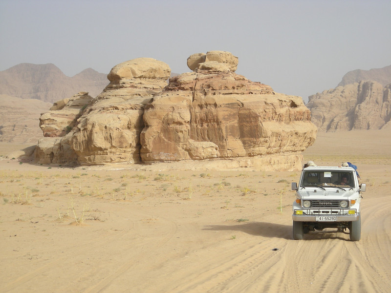 on a 4 hour Wadi Rum desert jeep run