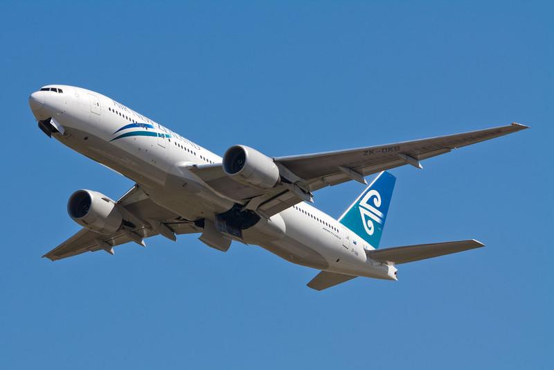 Air New Zealand Boeing 777-200 ZK-OKB