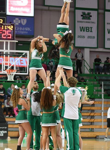 cheerleaders3209.jpg
