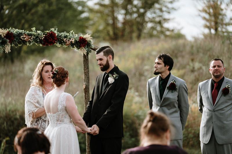 rustic_ohio__fall_barn_wedding-218.jpg