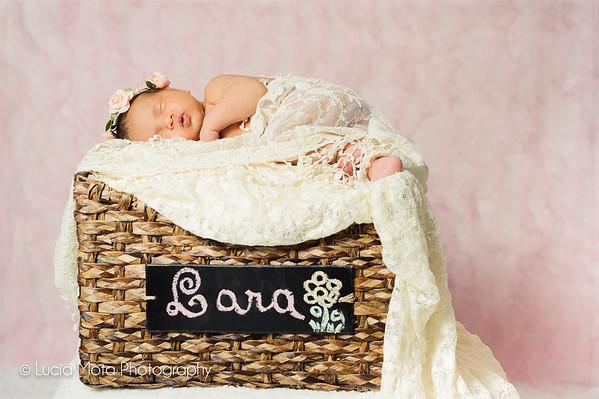 BABY LARA - SHARING