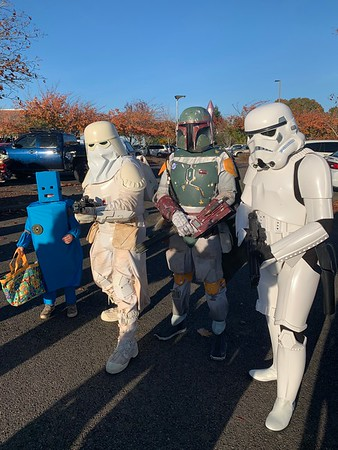 Trunk or treat and movie night - Salem