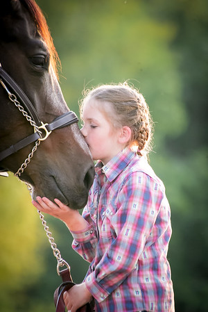 Girls and their Horses <3