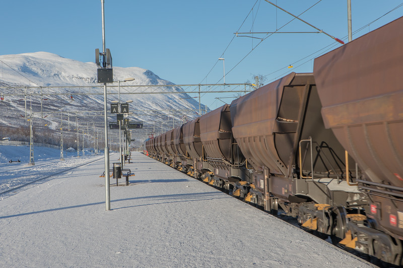 Feb2118   Iron ore train to Norway-2.jpg