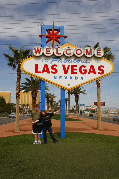 Aaron & Kyra the the famous Las Vegas sign