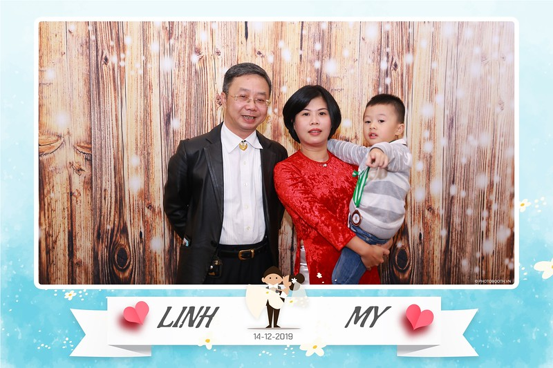 Linh-My-wedding-instant-print-photo-booth-in-Ha-Noi-Chup-anh-in-hnh-lay-ngay-Tiec-cuoi-tai-Ha-noi-WefieBox-photobooth-hanoi-121.jpg