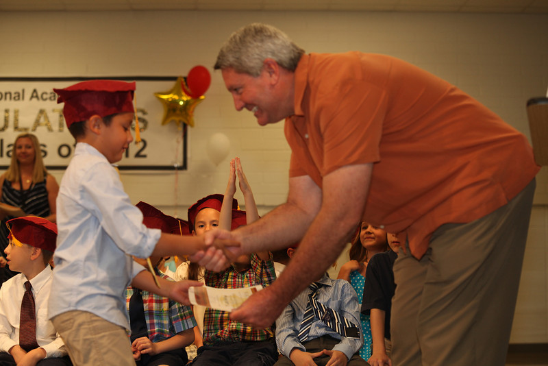 2012May18_MTA Kinder Grad_9692.JPG