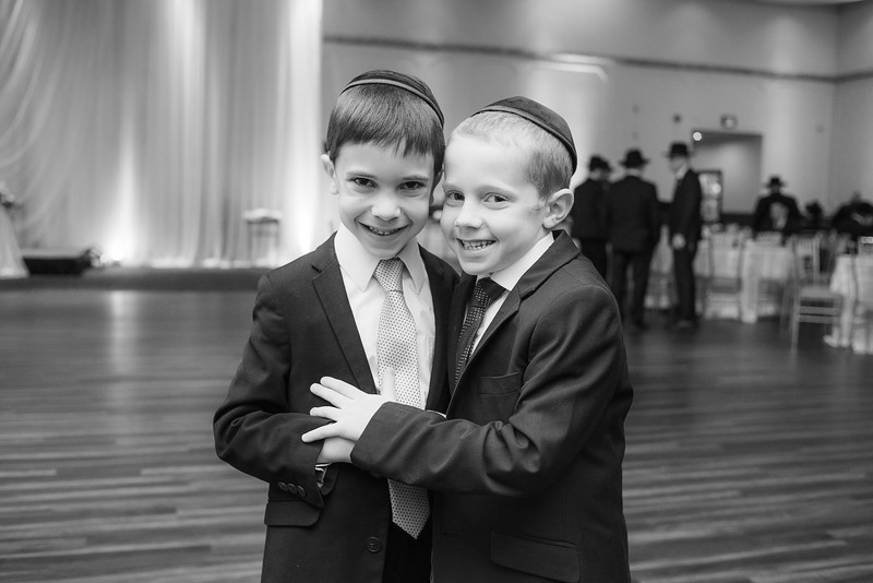 Miri_Chayim_Wedding_BW-626.jpg