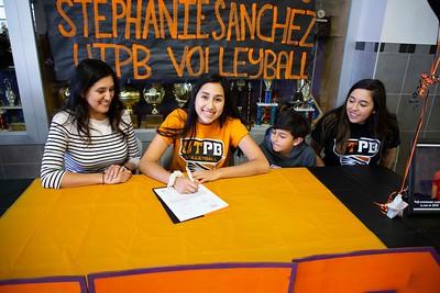 Eastlake Seniors Stephanie Sanchez, Aeriel Garcia College Signings