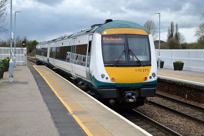 170271 Departs to Peterborough.