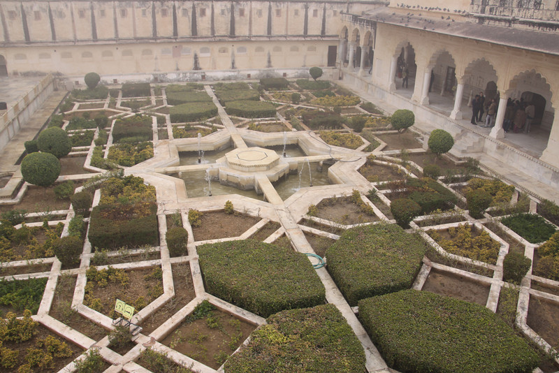 garden in Amber Fort