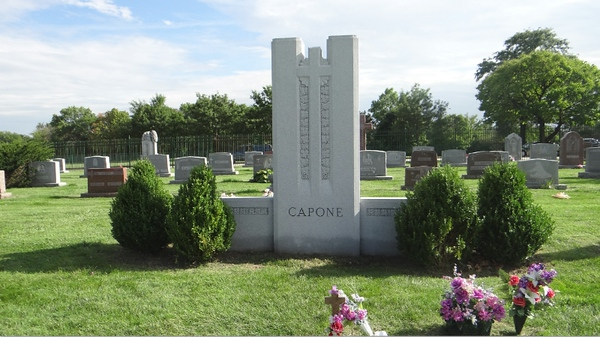 Al Capone Gravesite near Berwyn