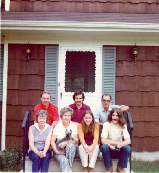 Wayne, Bonnie & Lynn's Family  9-73.jpg
