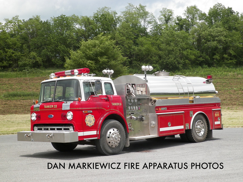 MIFFLIN FIRE CO. TANKER 33 1985 FORD/4GUYS TANKER