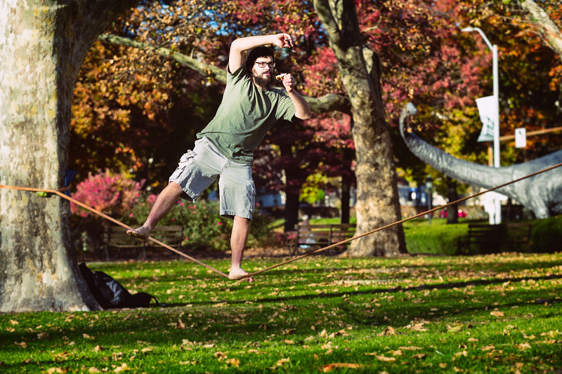 Eating while Slacklining