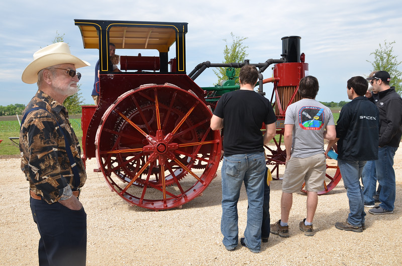 tractorcranking2016-0728.jpg