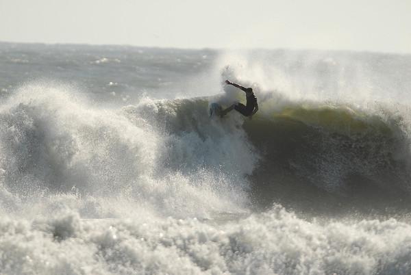 Surfing Tropical Storm Noel (11-03-07)