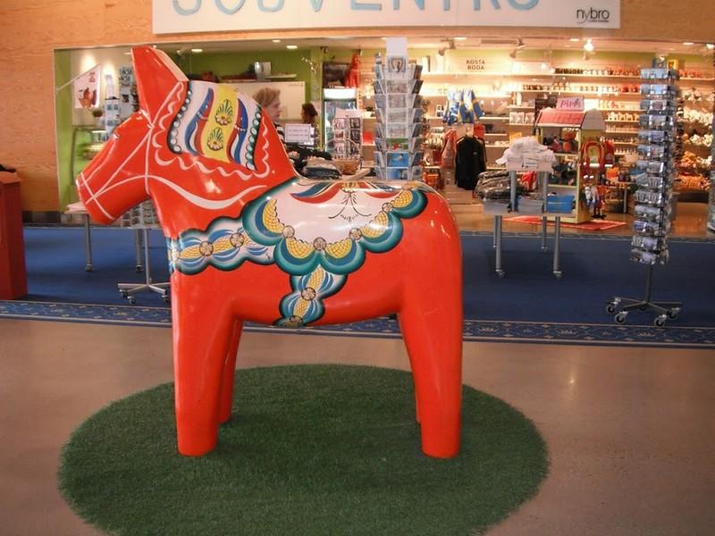 002-Dalarna horses.jpg