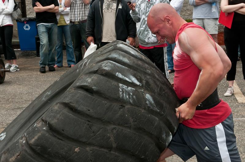 Fitness Revolution Strongman Challenge 2011_ERF4217.jpg