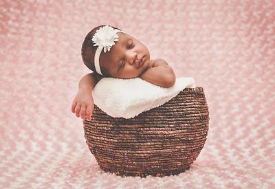 Zai's Newborn Shoot