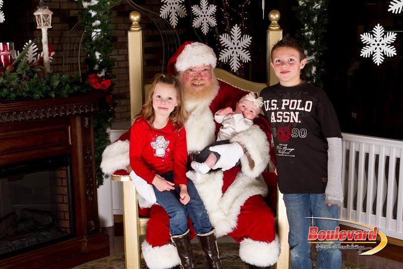 Santa Dec 15-71.jpg