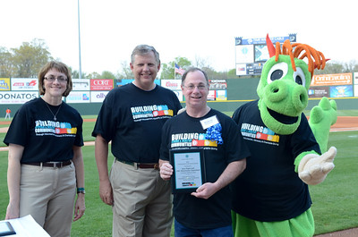 2011_ Community_Involvement_Award_Knights Game-99