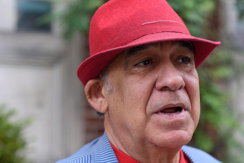 Roberto-Mayor-of-Meatpacking-3.jpg
