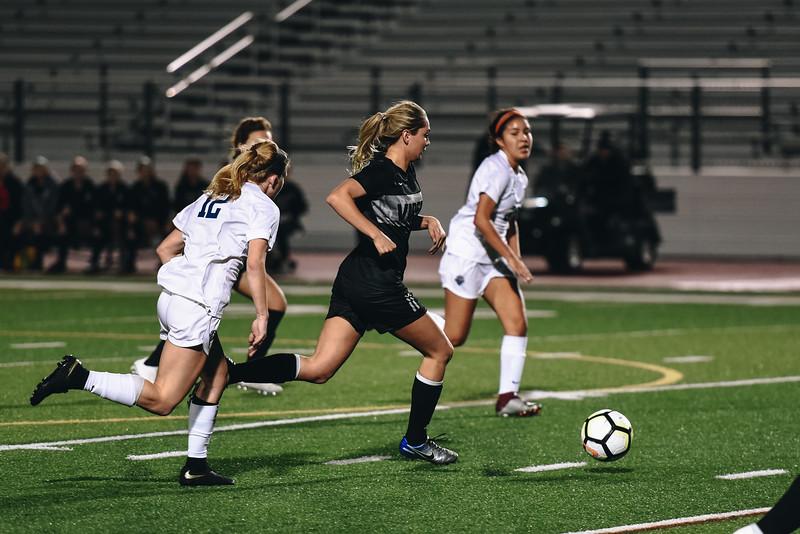 SoccerGirlsVarsity_Jan18_ElainaEich0018.jpg