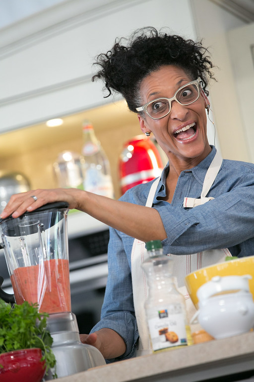 """. Carla Hall of \""""The Chew\"""" entertains the crowd in Aspen.(Provided by Galdones Photography/FOOD & WINE)"""
