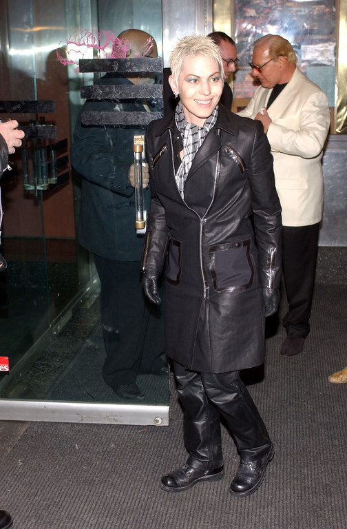. Recording artist Joan Jett arrives at the 15th Annual Nordorf-Robbins Silver Clef Awards March 11, 2002 in New York City. The proceeds benefit Nordorf-Robbins Music Therapy which helps severely handicapped children at its New York University clinic. (Photo by Lawrence Lucier/Getty Images)