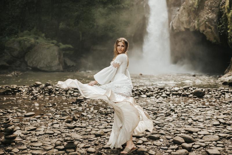 Victoria&Ivan_eleopement_Bali_20190426_190426-58.jpg